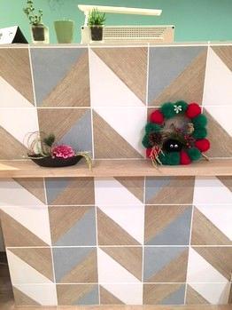 Fさん作クリスマスリースをMさんがお正月飾りにリユースしました。( ^ω^ )